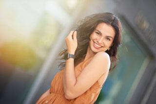 特徴4 全身の健康と美しさをつくる[口、顔、全身状態を考慮した材料の選択と治療]